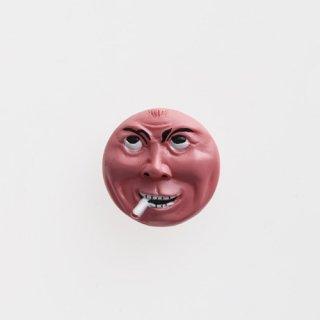 横尾忠則 アート立体バッジ「泣き笑い人生」:ピンク