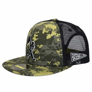 <img class='new_mark_img1' src='https://img.shop-pro.jp/img/new/icons23.gif' style='border:none;display:inline;margin:0px;padding:0px;width:auto;' />Flag Man Digi Camo Mesh Cap