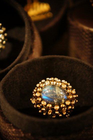 Diamond Ring (ダイヤモンドリング)[AN123BRILL]Bronze Labradorite/Onix/Crystal