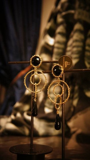 Chandelier Model   Earrings( イヤリング)                Onix