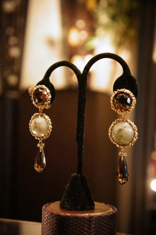 Daniela de Marchi long peacock Earrings/(イヤリング)OR1083 OTBR Q.fume/Labradorite /Q.Fume