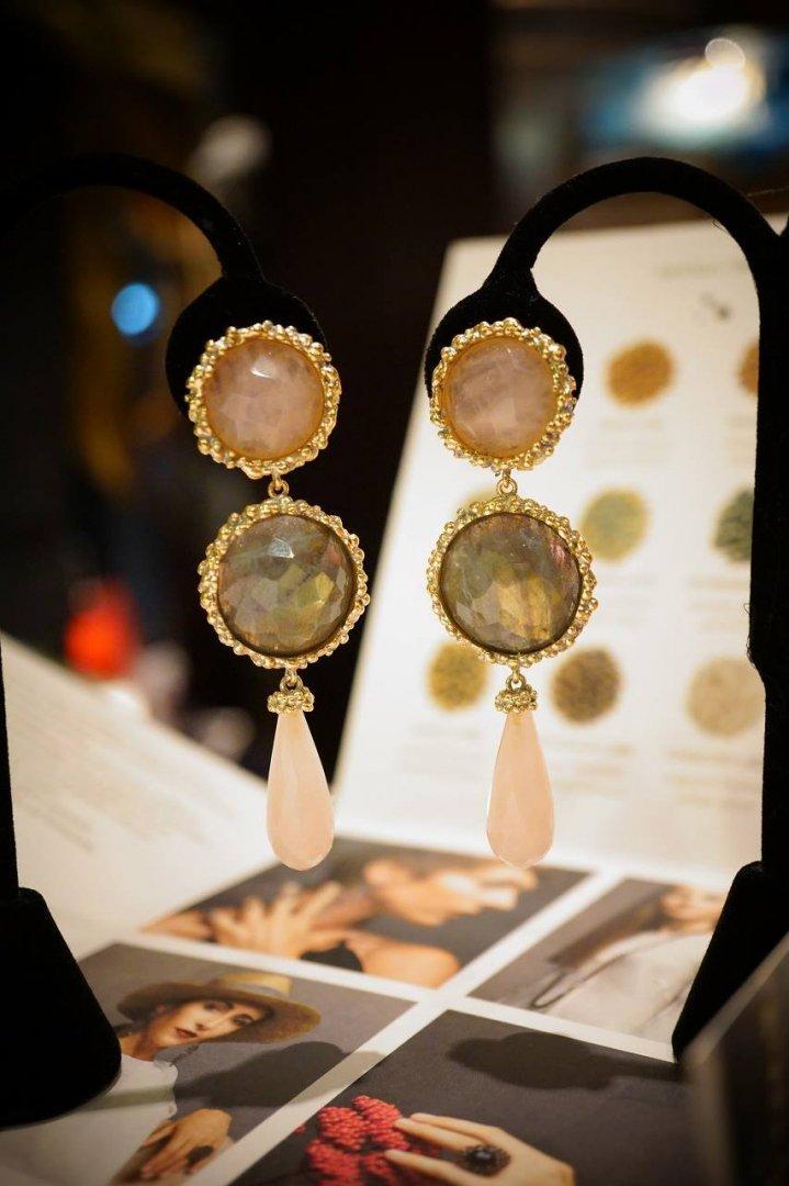 Daniela de Marchi long peacock Earrings/(イヤリング)OR1083 OTAG Rosa/Labradorite/Rosa