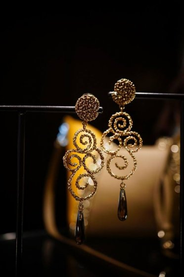 Ghirigori     Collection    Earrings イヤリングOR1187 OTRA Smoky.Qスモーキークオーツ