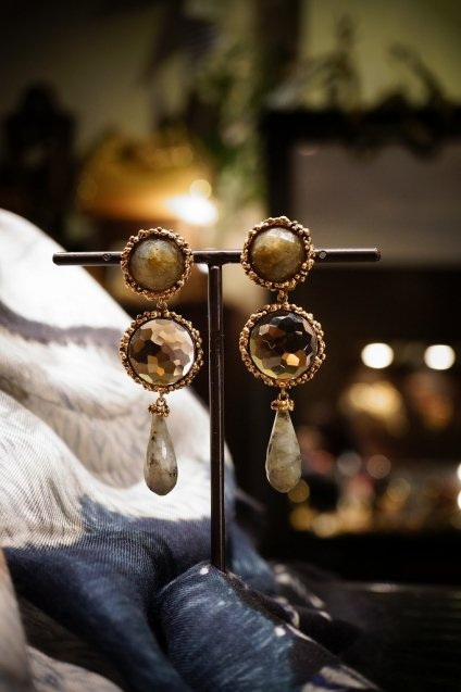 Daniela de Marchi long peacock Earrings/(イヤリング)OR1083 OTBR Labradorite /Q.fume/Labradorite