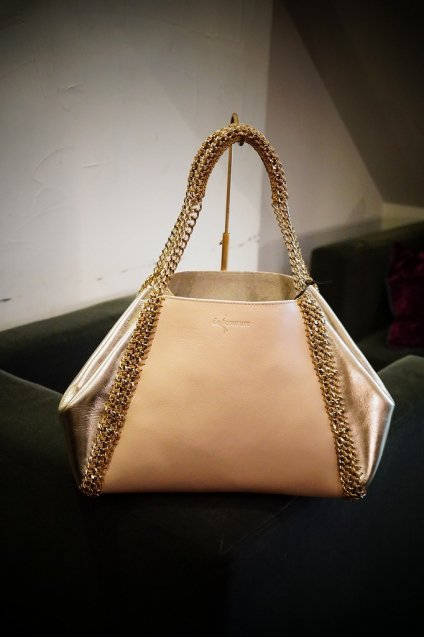 de Couture(デクチュール)チェーンレザートートバッグMサイズ  PinkBeige/Gold[D14]1点物!