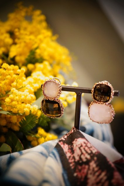 Scacco(チェス)Collection Earrings(イヤリング)[OR1303 OTVIO Rosa/Smoky.Q]