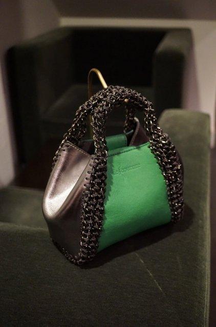 de Couture(デクチュール)2WAYチェーントートバッグSSサイズ Green/Metallic Silver