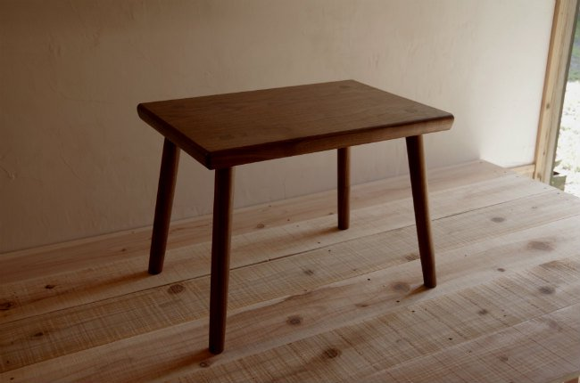 ブラックウォールナットのミニ・テーブル