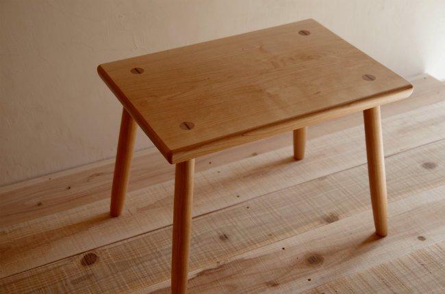ブラックチェリーのミニ・テーブル