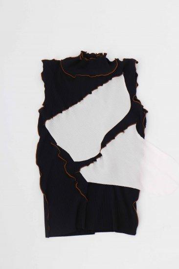 kotohayokozawa / pleats top (no-sleeve high neck)/BK