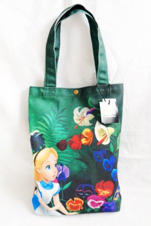 <img class='new_mark_img1' src='https://img.shop-pro.jp/img/new/icons20.gif' style='border:none;display:inline;margin:0px;padding:0px;width:auto;' />Alice in Wonderland Print Tote Bag