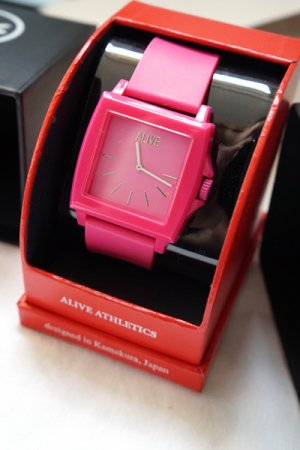 Alive Athletics Watch EASY (Magenta)
