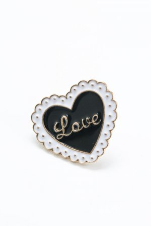 Lace Heart Pin Badge (Black)