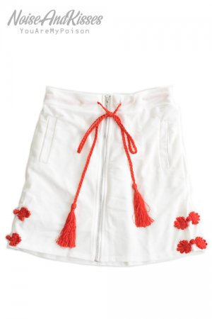 <img class='new_mark_img1' src='https://img.shop-pro.jp/img/new/icons8.gif' style='border:none;display:inline;margin:0px;padding:0px;width:auto;' />ACDC RAG China Skirt (White)