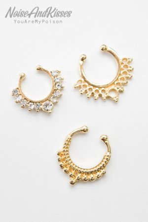 <img class='new_mark_img1' src='https://img.shop-pro.jp/img/new/icons8.gif' style='border:none;display:inline;margin:0px;padding:0px;width:auto;' />Fake Septum Set (Gold) A