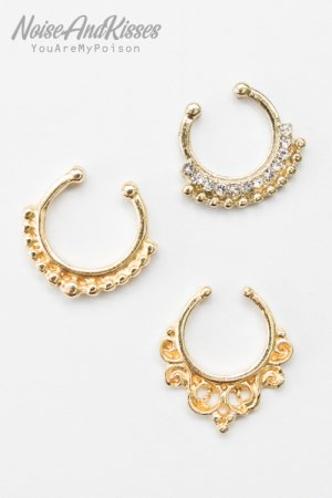 <img class='new_mark_img1' src='https://img.shop-pro.jp/img/new/icons8.gif' style='border:none;display:inline;margin:0px;padding:0px;width:auto;' />Fake Septum Set (Gold) E