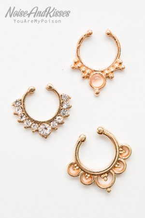 <img class='new_mark_img1' src='https://img.shop-pro.jp/img/new/icons8.gif' style='border:none;display:inline;margin:0px;padding:0px;width:auto;' />Fake Septum Set (Gold) H