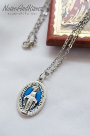 Limited Italy Saint Medal Necklace (Maria Blue)