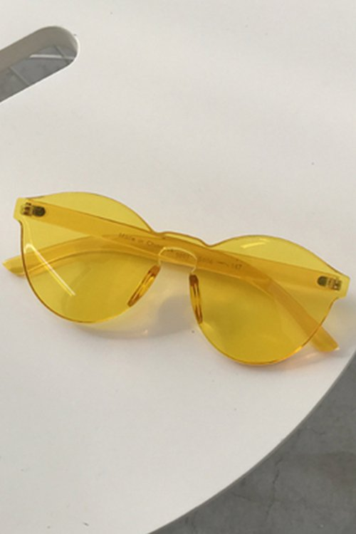 <img class='new_mark_img1' src='https://img.shop-pro.jp/img/new/icons8.gif' style='border:none;display:inline;margin:0px;padding:0px;width:auto;' />Clear Sunglass (Yellow)