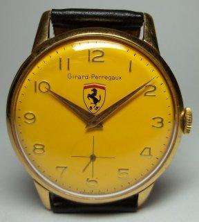 ジラード ペルゴ フェラーリ ビビッドなイエローダイアルの男性用腕時計