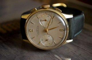 アンジェラス クロノグラフ時計 ヴィンテージ スイス製 大変レアな時計です。