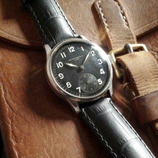 <img class='new_mark_img1' src='https://img.shop-pro.jp/img/new/icons1.gif' style='border:none;display:inline;margin:0px;padding:0px;width:auto;' />レコード ジュネーヴ スイス 腕時計 1940年代 第二次世界大戦 ミリタリーウォッチ  ブラックダイアル  メンズ