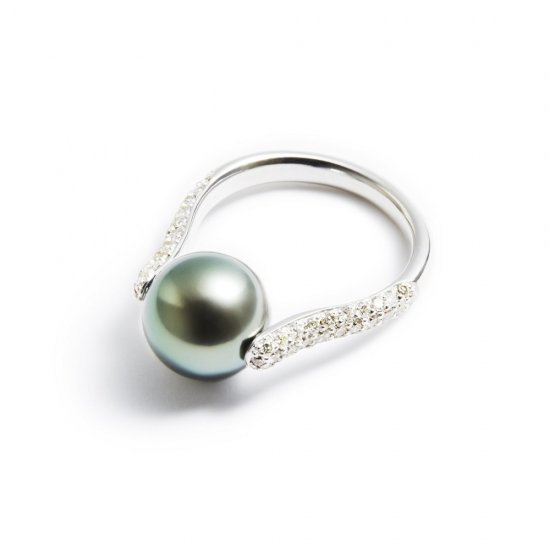 dilemma ring / pearl × diamond 【green】