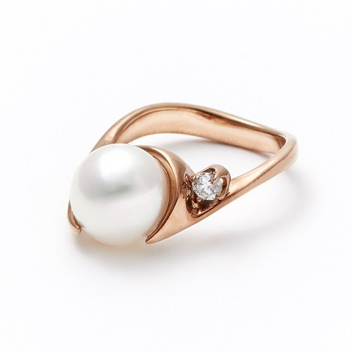 pearl pinky ring / diamond