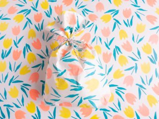 <img class='new_mark_img1' src='//img.shop-pro.jp/img/new/icons8.gif' style='border:none;display:inline;margin:0px;padding:0px;width:auto;' />【WRAPPING PAPER】チューリップ