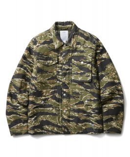 <img class='new_mark_img1' src='//img.shop-pro.jp/img/new/icons41.gif' style='border:none;display:inline;margin:0px;padding:0px;width:auto;' />CRIMIE BACK SATAIN THINSULATE CAMO COVER ALL JACKET