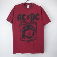 <img class='new_mark_img1' src='https://img.shop-pro.jp/img/new/icons24.gif' style='border:none;display:inline;margin:0px;padding:0px;width:auto;' />(L)AC/DC RED Tシャツ(新品) 【メール便送料無料】(sale商品)