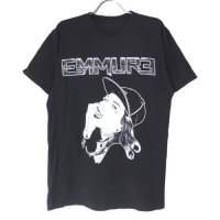 <img class='new_mark_img1' src='//img.shop-pro.jp/img/new/icons5.gif' style='border:none;display:inline;margin:0px;padding:0px;width:auto;' />EMMURE エミュア Tシャツ  古着【メール便送料無料】