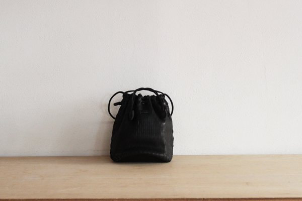 【予約商品】irose イロセ net bucket bag mini BAG-N07(ブラック)1〜2か月後のお届けになります。