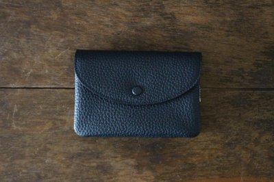 STUDIO LA CAUSE スタジオラコーズ  内縫いフラップ財布M(NAVY)【予約販売 9月中頃のお届けです】