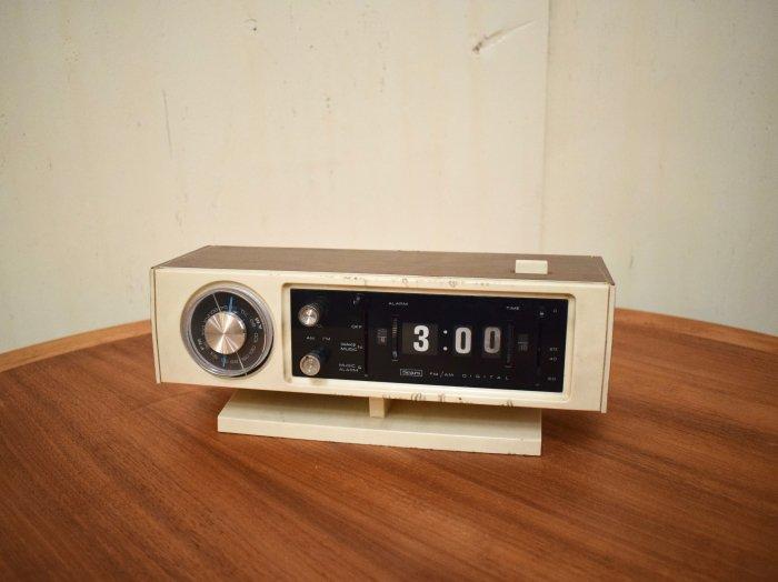 ビンテージ 70's Sears社製 トランジスタラジオ - 大阪和泉市の ...