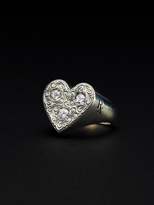ANTIDOTE BUYERS CLUB / Engraved Heart Ring