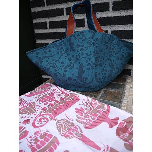 かご型バック やもり青 てぬぐいカバー袋付き(おいしい時間)  型染工房紗希