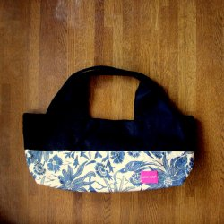 <img class='new_mark_img1' src='//img.shop-pro.jp/img/new/icons55.gif' style='border:none;display:inline;margin:0px;padding:0px;width:auto;' />boat shape bag -Paradise navy/black