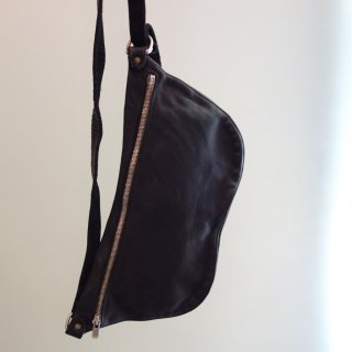 GUIDI SOFT HORSE FULL GRAIN BELT-BAG Q10-BLK