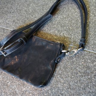 incarnation horse leather pouch with strap #2 small(31611T-8600)