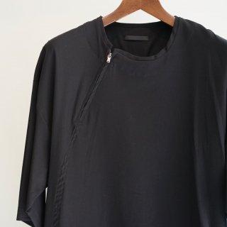 The Viridi-anne 強撚ボイル プルオーバー ノーカラーシャツ(VI-2865-02)