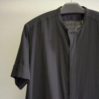The Viridi-anne 強撚二重織りファスナー半袖シャツ(VI-3200-02)