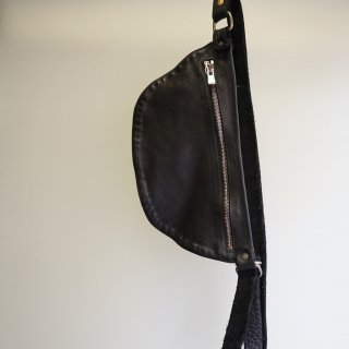 GUIDI SOFT HORSE FULL GRAIN BELT BAG(Q100)