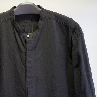 The Viridi-anne コットンリネン裾ポケット ノーカラーシャツ(VI-3268-02)