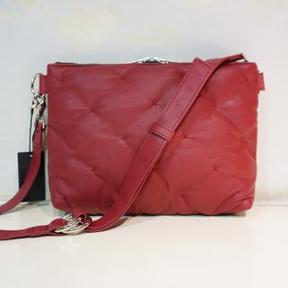 ISAMU KATAYAMA BACKLASH カンガルーレザー 中綿入りショルダーバッグ(239-01)RED