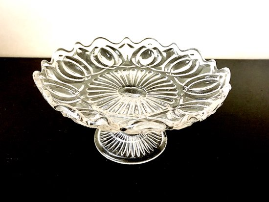 イギリスヴィンテージ・カッティングが美しいガラスケーキスタンドB03