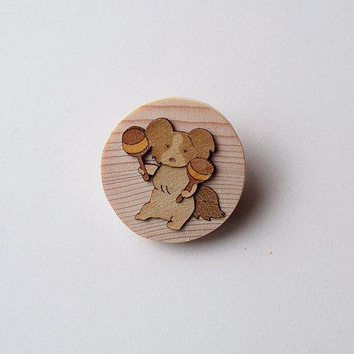 【ゆうメール送料無料】木はり絵ブローチ「パピヨン」