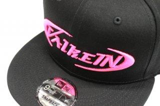 ValkeIN フラットキャップ #ブラック/蛍光ピンク