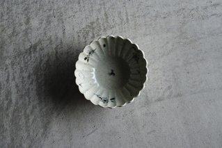 青瓷染付矢車菊文菊割小鉢