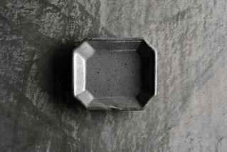 泥並釉 八角皿